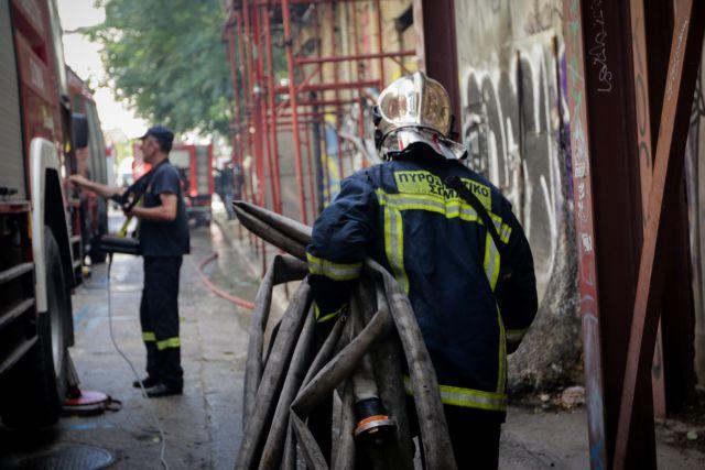 Υπό έλεγχο οι πυρκαγιές στη Νέα Μάκρη και στο κέντρο της Αθήνας   tovima.gr
