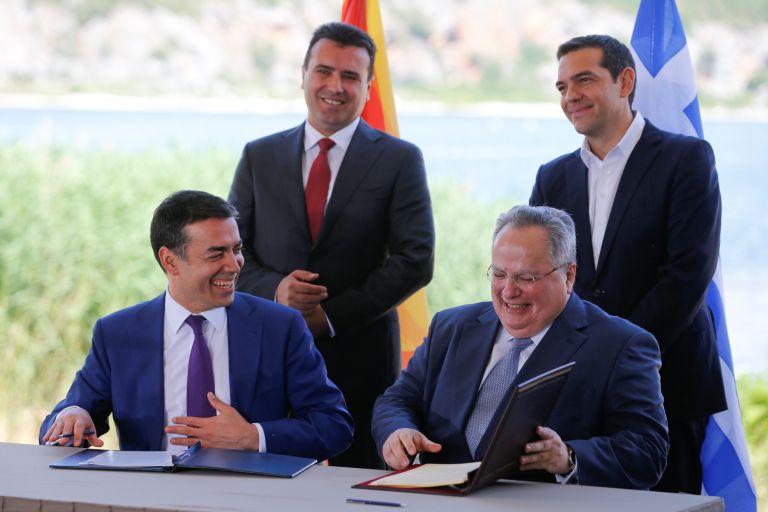 Πρέσπες: Υπογράφηκε η ιστορική συμφωνία μεταξύ Ελλάδας και πΓΔΜ στο χωριό Ψαράδες | tovima.gr