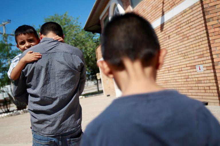 ΗΠΑ: Αποφασίζεται το τέλος στον διαχωρισμό μεταναστών από τα παιδιά τους | tovima.gr