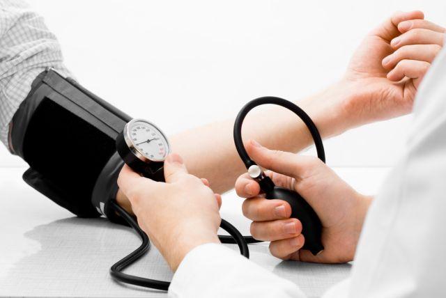 Νοσοκομεία: Υπό απόλυση οι επικουρικοί γιατροί | tovima.gr