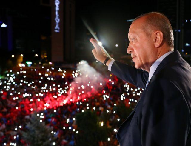 Αυστρία: Τρεις στους τέσσερις Τούρκους ψήφισαν Ερντογάν   tovima.gr