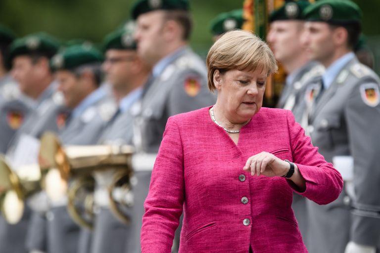 Η μεταναστευτική κρίση απειλεί τον κυβερνητικό συνασπισμό της Γερμανίας | tovima.gr