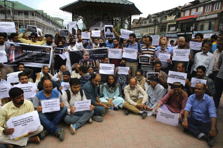 Ινδία: Σε κίνδυνο η ελευθερία του Τύπου   tovima.gr