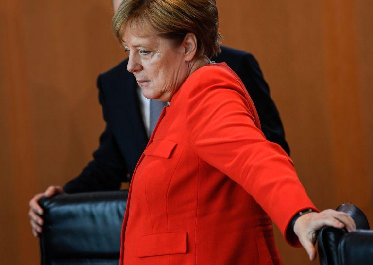 Le Monde: Προπύργιο η Μέρκελ για να μην κυλήσει η Γερμανία στον εθνικισμό | tovima.gr