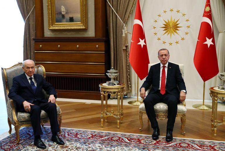 Συμφωνία Ερντογάν – Μπαχτσελί να μην παραταθεί η έκτακτη ανάγκη | tovima.gr