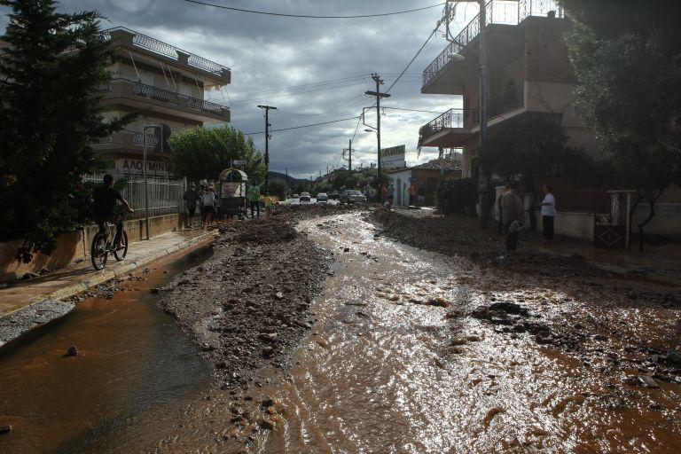 Θεσσαλονίκη: Πλημμύρες σε Σταυρό και Βρασνά   tovima.gr