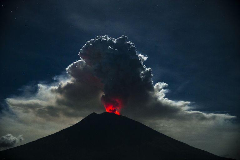 Έκρηξη ηφαιστείου στην Παπούα Νέα Γουινέα | tovima.gr
