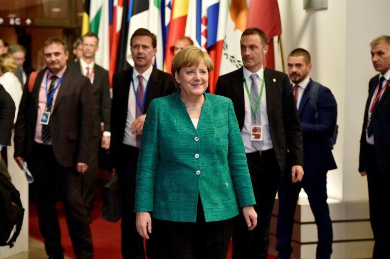 Politico: Συμφωνία-συμβιβασμός για το προσφυγικό | tovima.gr
