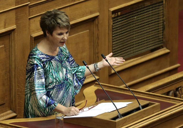 Η Γεροβασίλη προαναγγέλλει νέες προσλήψεις στο Δημόσιο | tovima.gr