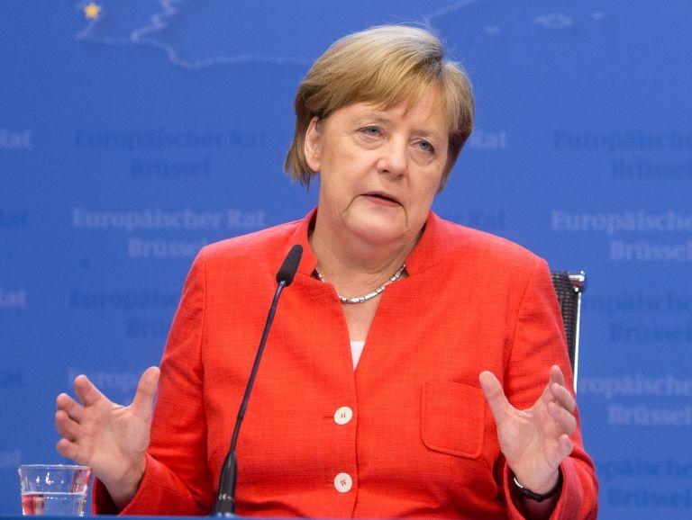 Μέρκελ: Υπερασπίστηκε τη συμφωνία της ΕΕ | tovima.gr