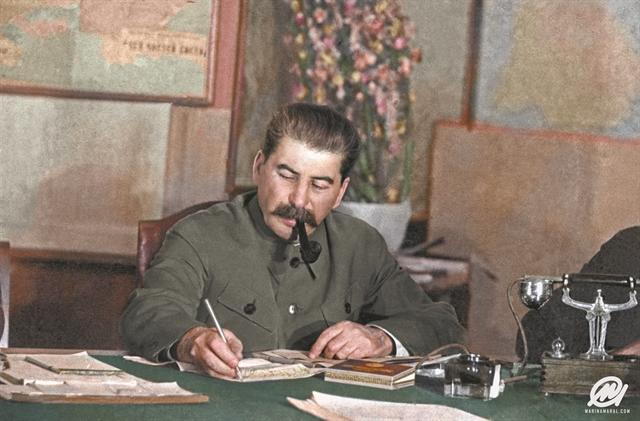«Προς τον σύντροφο Στάλιν». Οταν οι ηγέτες του      ΚΚΕ έλυναν τις διαφορές τους μέσω Μόσχας | tovima.gr