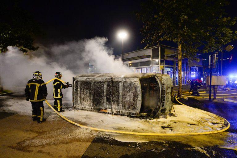 Γαλλία – Νάντη: Συνεχίστηκαν τα επεισόδια για δεύτερη νύχτα | tovima.gr