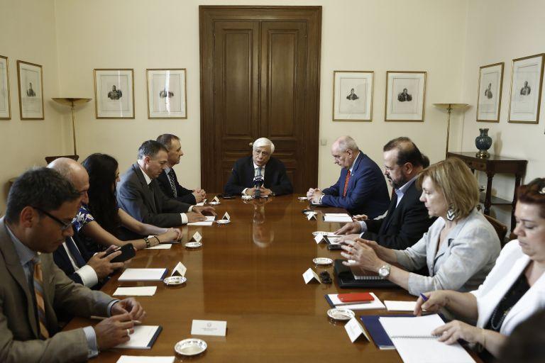 Παυλόπουλος: Ενωμένες οι δημοκρατικές δυνάμεις στα εθνικά θέματα | tovima.gr