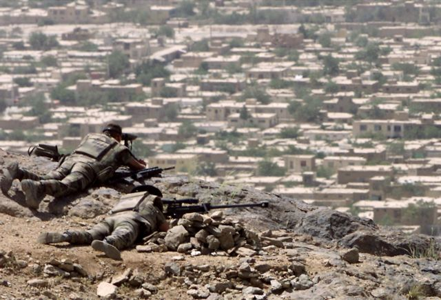 Αφγανιστάν: Ενας αμερικανός στρατιώτης νεκρός και δύο τραυματίες | tovima.gr