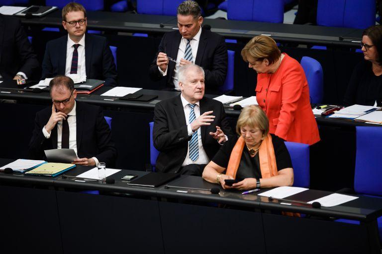 Γερμανία – Ζεεχόφερ: Το SPD θα στηρίξει τη συμφωνία CDU – CSU | tovima.gr