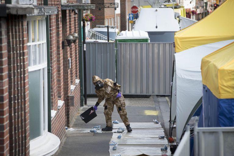 Βρετανία: «Καθαρός» ο αστυνομικός που εξετάστηκε για έκθεση στο Νοβιτσόκ | tovima.gr