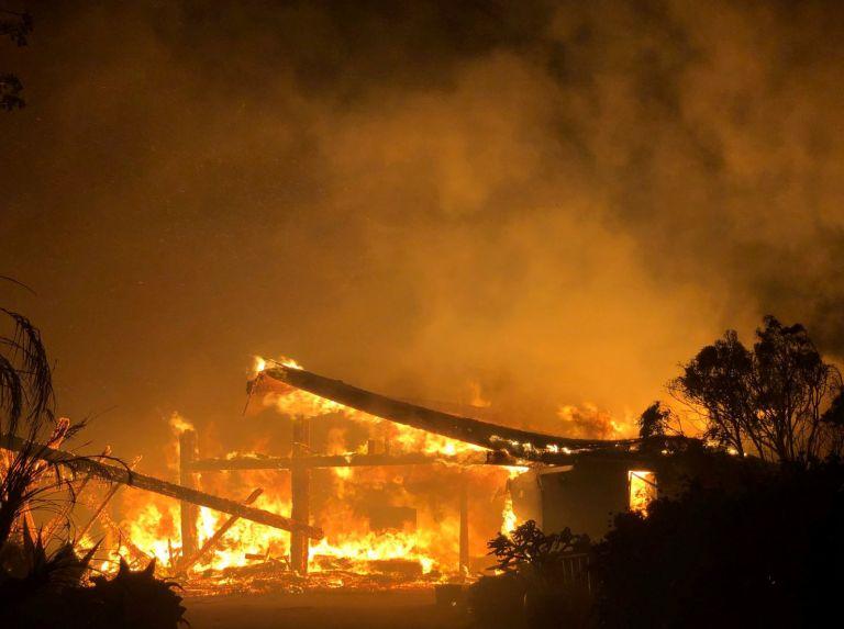 Μεγάλη πυρκαγιά στην Καλιφόρνια – Κάτοικοι εγκαταλείπουν τις εστίες τους | tovima.gr