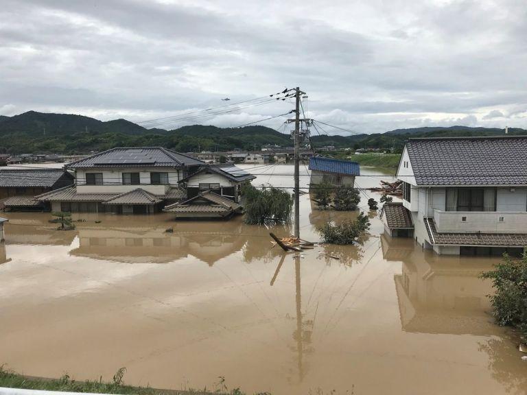 Στους 62 οι νεκροί από τις καταστροφικές πλημμύρες στην Ιαπωνία   tovima.gr