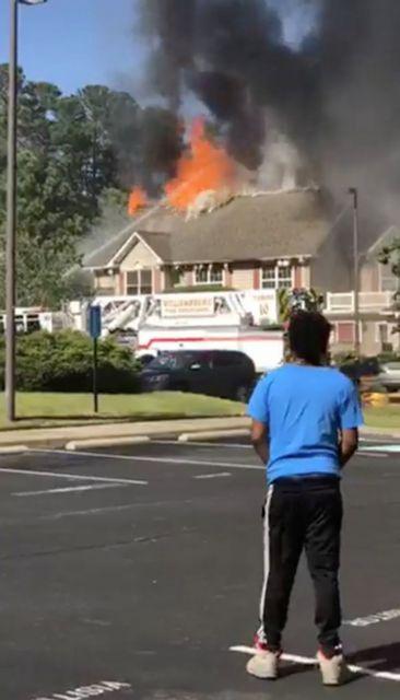 ΗΠΑ: Ελικόπτερο έπεσε σε κτίριο διαμερισμάτων – Ενας νεκρός | tovima.gr