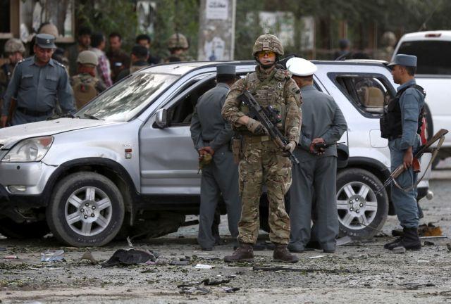 Αφγανιστάν: Ενοπλοι επιτέθηκαν σε γραφεία του υπουργείου Παιδείας | tovima.gr