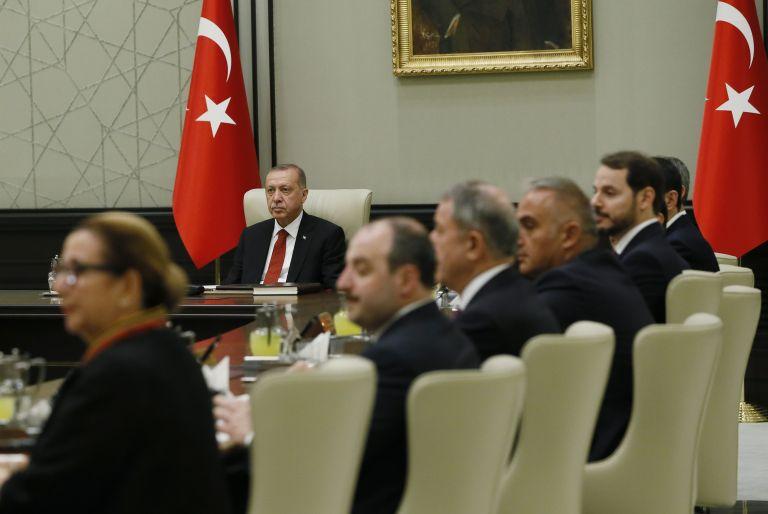 Ποια νέα κατάσταση διαμορφώνουν στην Τουρκία με τα νέα διατάγματα Ερντογάν | tovima.gr