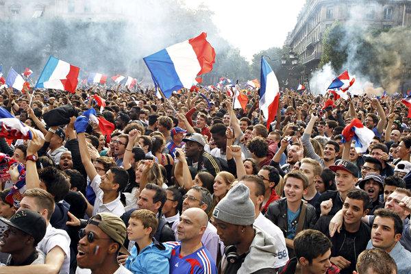 Γαλλία: Πόσο θα κρατήσει η εθνική ενότητα, και αυτός ο νέος «κοινωνικός πατριωτισμός» του Μουντιάλ;   tovima.gr