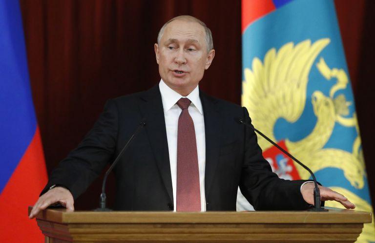 Πούτιν:  Προσφορά βοήθειας και συλλυπητήρια | tovima.gr