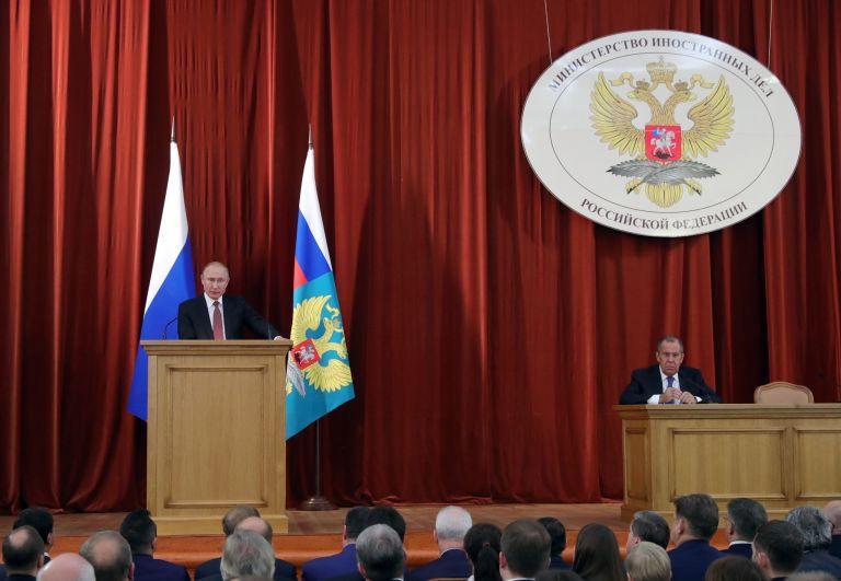Στο ρωσικό ΥΠΕΞ ο έλληνας πρέσβης στη Μόσχα – Δεν ανακοινώθηκαν αντίμετρα | tovima.gr