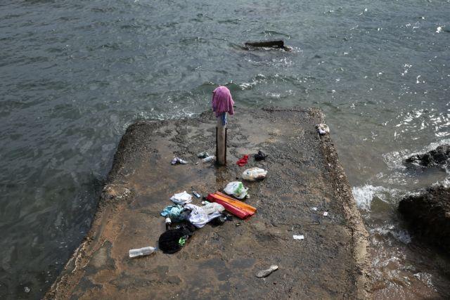 Δύτες αναζητούν αγνοούμενους στη θάλασσα | tovima.gr