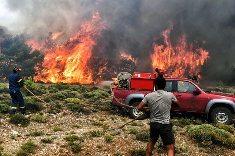 Ζάκυνθος: Υπό μερικό έλεγχο η πυρκαγιά | tovima.gr
