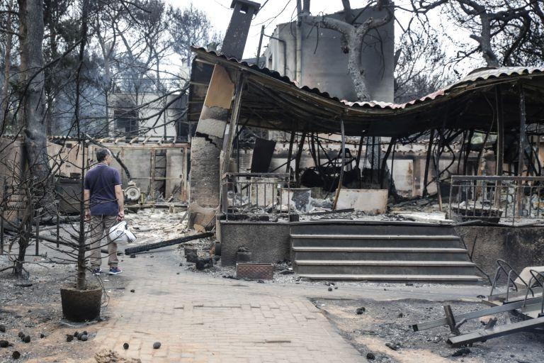 Μάτι : Επίθεση πολιτών στον αντιδήμαρχο Πολιτικής Προστασίας Μαραθώνα   tovima.gr