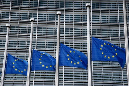 Brussels; Belgium; EU; Europe; european; European commission; European flag; European Union; European Union Flag; flag; Flags; Half-mast; half-staff; respect; mourning; distress; Greece; wildfire; fire; Ευρώπη; Ευρωπαϊκή Ένωση; επιτ