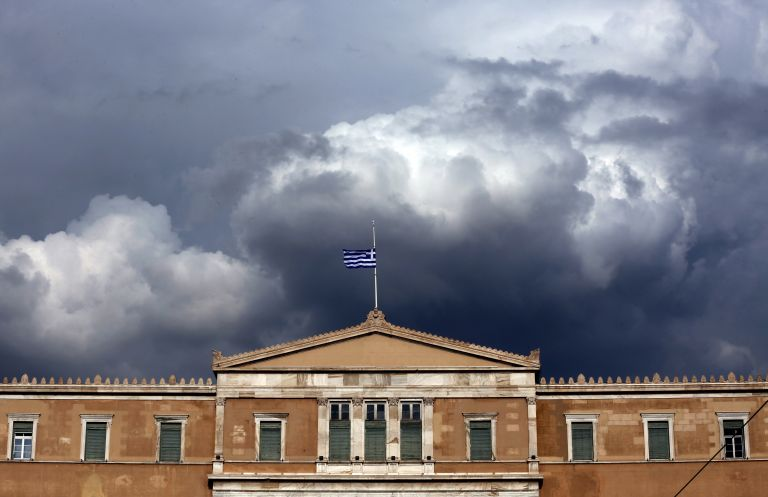 Δίκοπο μαχαίρι η μη περικοπή των συντάξεων για τη σχέση Ελλάδας – Πιστωτών | tovima.gr