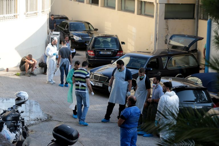 Εθνική τραγωδία: Απόγνωση και θρήνος στην ταυτοποίηση σορών στο Γουδή | tovima.gr