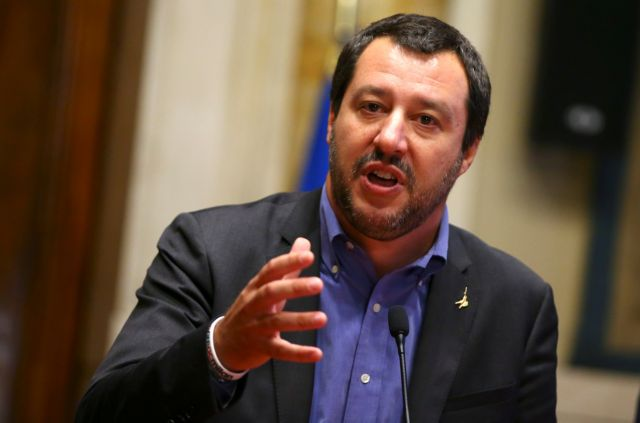 Nα τηρήσει σκληρή στάση για το Brexit ο Σαλβίνι συνιστά στην Μέι   tovima.gr