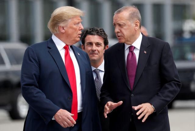 Ο Ερντογάν παγώνει τα περιουσιακά στοιχεία δύο αμερικανών υπουργών | tovima.gr