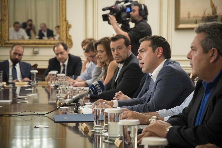 Πάει πίσω ο ανασχηματισμός – «Δεν χαλάμε τις διακοπές του κόσμου» λένε κυβερνητικές πηγές | tovima.gr