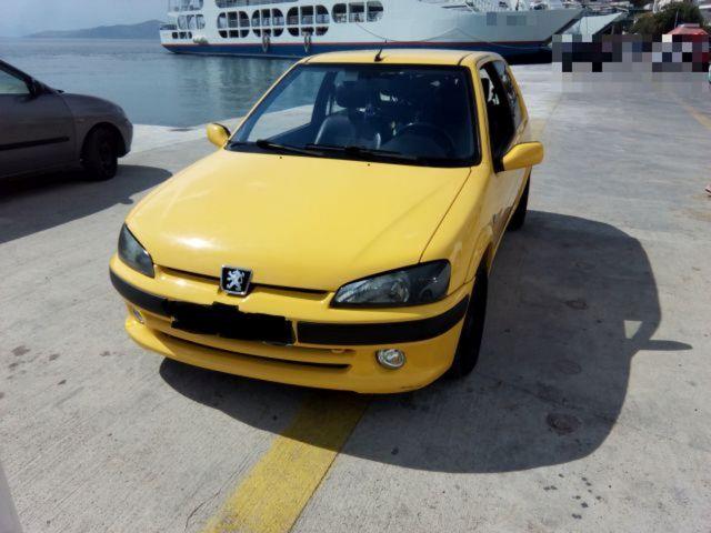 Εντόπισε τυχαία το κλεμμένο αυτοκίνητό του σε πλοίο | tovima.gr