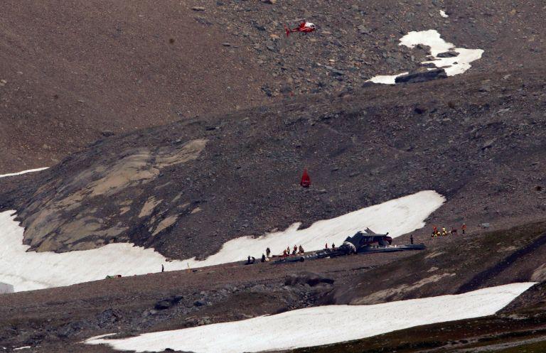 Νεκροί και οι 20 επιβαίνοντες του αεροσκάφους που κατέπεσε στις Ελβετικές Αλπεις   tovima.gr