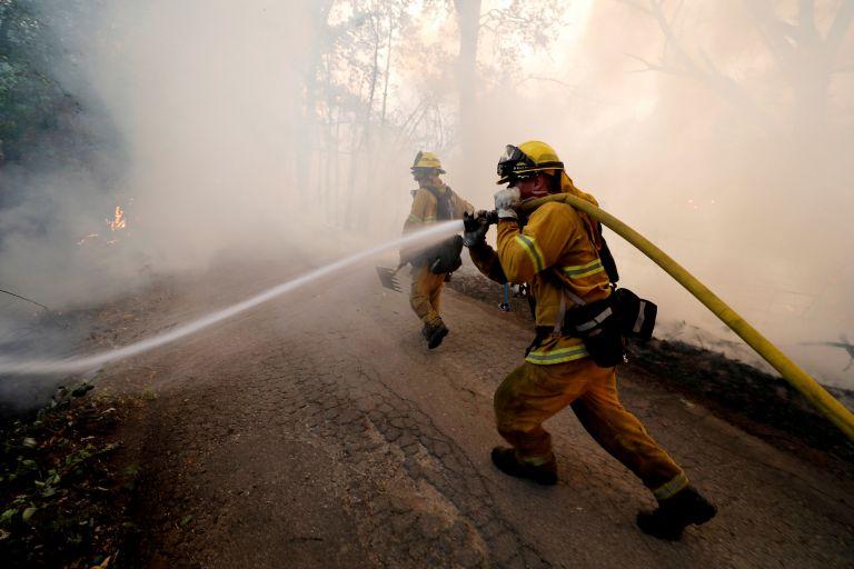 Φλέγεται η Καλιφόρνια: Αντιμέτωπη με τη μεγαλύτερη πυρκαγιά στην ιστορία της   tovima.gr