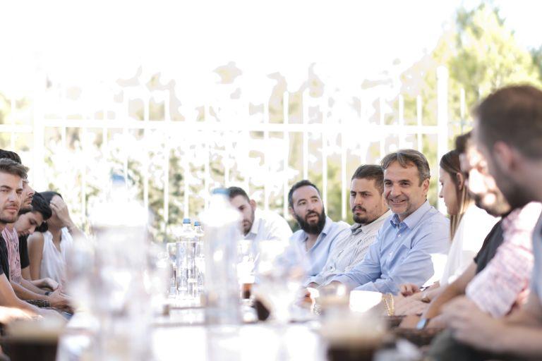 Τις προτάσεις της ΝΔ για την εστίαση ζητήσε με νέους εργαζόμενους ο Μητσοτάκης | tovima.gr