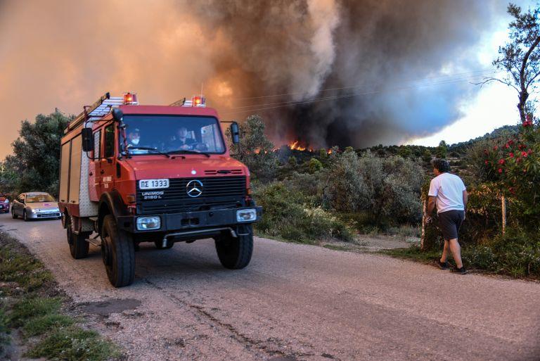 Ηλεία : Υπό μερικό έλεγχο η πυρκαγιά στο Λαμπίρη | tovima.gr