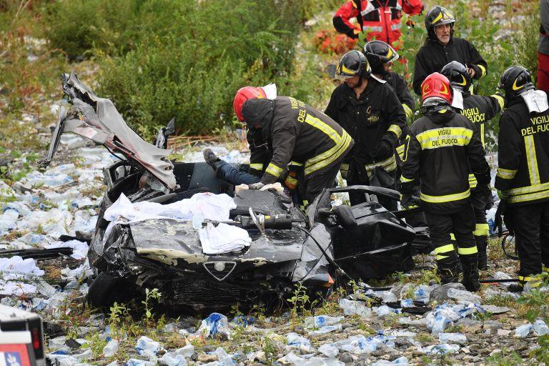 Γένοβα – κατάρρευση οδογέφυρας: Aναζητούνται επιζώντες στα συντρίμμια | tovima.gr