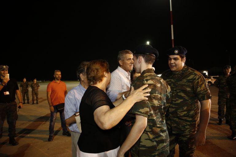 Στην Ελλάδα οι δύο στρατιωτικοί | tovima.gr