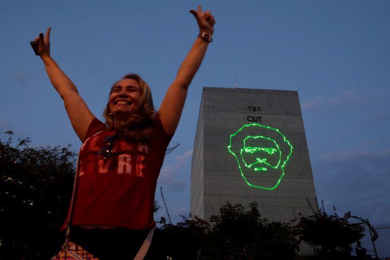 Βραζιλία : Και επίσημα υποψήφιος στις προεδρικές ο φυλακισμένος Λούλα | tovima.gr