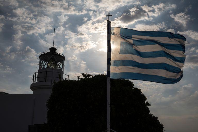 Le Monde για Ελλάδα: Βελτιώνονται οι οικονομικοί δείκτες, η λιτότητα μένει   tovima.gr