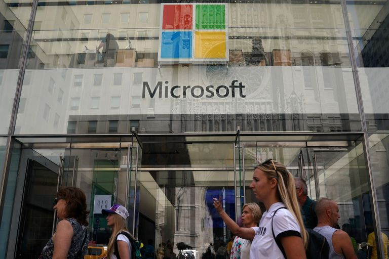 WSJ: Στο μικροσκόποιο η Microsoft για δωροδοκία στην Ουγγαρία | tovima.gr