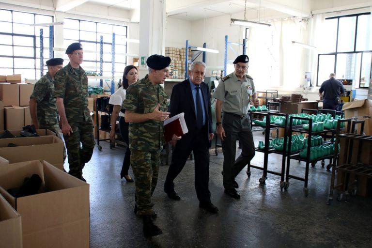 Αυξήσεις μισθών στις ένοπλες δυνάμεις υποσχέθηκε ο Κουβέλης | tovima.gr