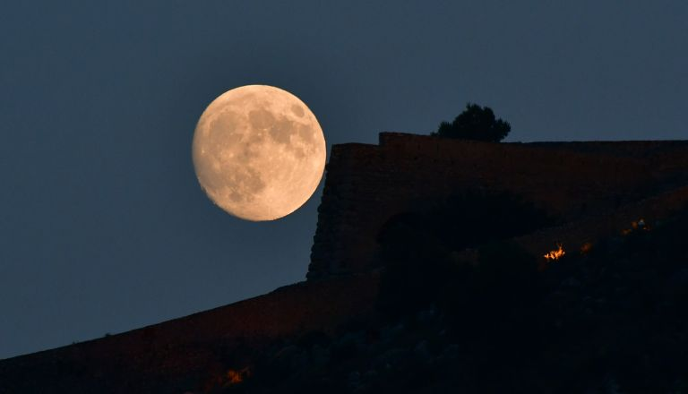 Κορυφώνονται οι εκδηλώσεις για την Αυγουστιάτικη Πανσέληνο | tovima.gr