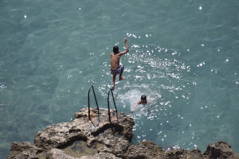 Αεράκι και θερμοκρασία στους 35 βαθμούς την Δευτέρα   tovima.gr